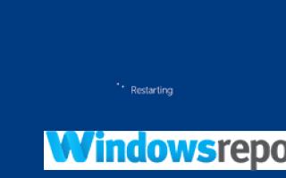 Komputer utknął na ekranie płyty głównej? Oto co robić